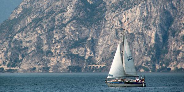 Die faszinierende Regatten auf dem Gardasee