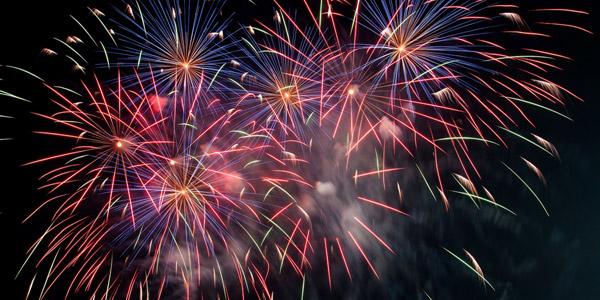 Feuerwerk 2018 am Nachthimmel in Limone sul Garda
