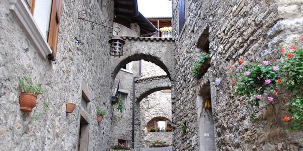 Canale di Tenno, das mittelalterliche Dorf